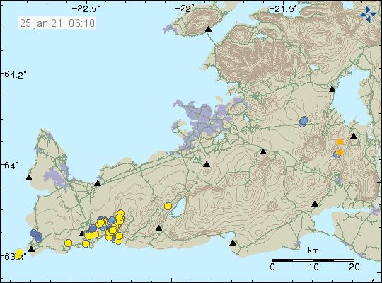 Jarðskjálftavirknin austan við Grindavík með gulum punktum á kortinu. Bláir punktar sýna eldri jarðskjálfta á kortinu.