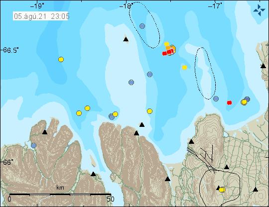 Nokkrir rauðir punktar suð-austur af Grímsey sýna nýja jarðskjálfta á Tjörnesbrotabeltinu